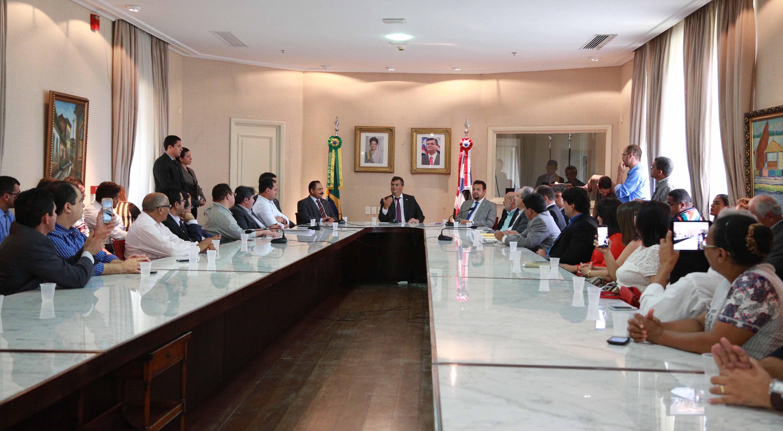 Governador Flávio Dino destacou a importância da construção das rodovias para o desenvolvimento econômico do Maranhão. Foto: Erly Silva