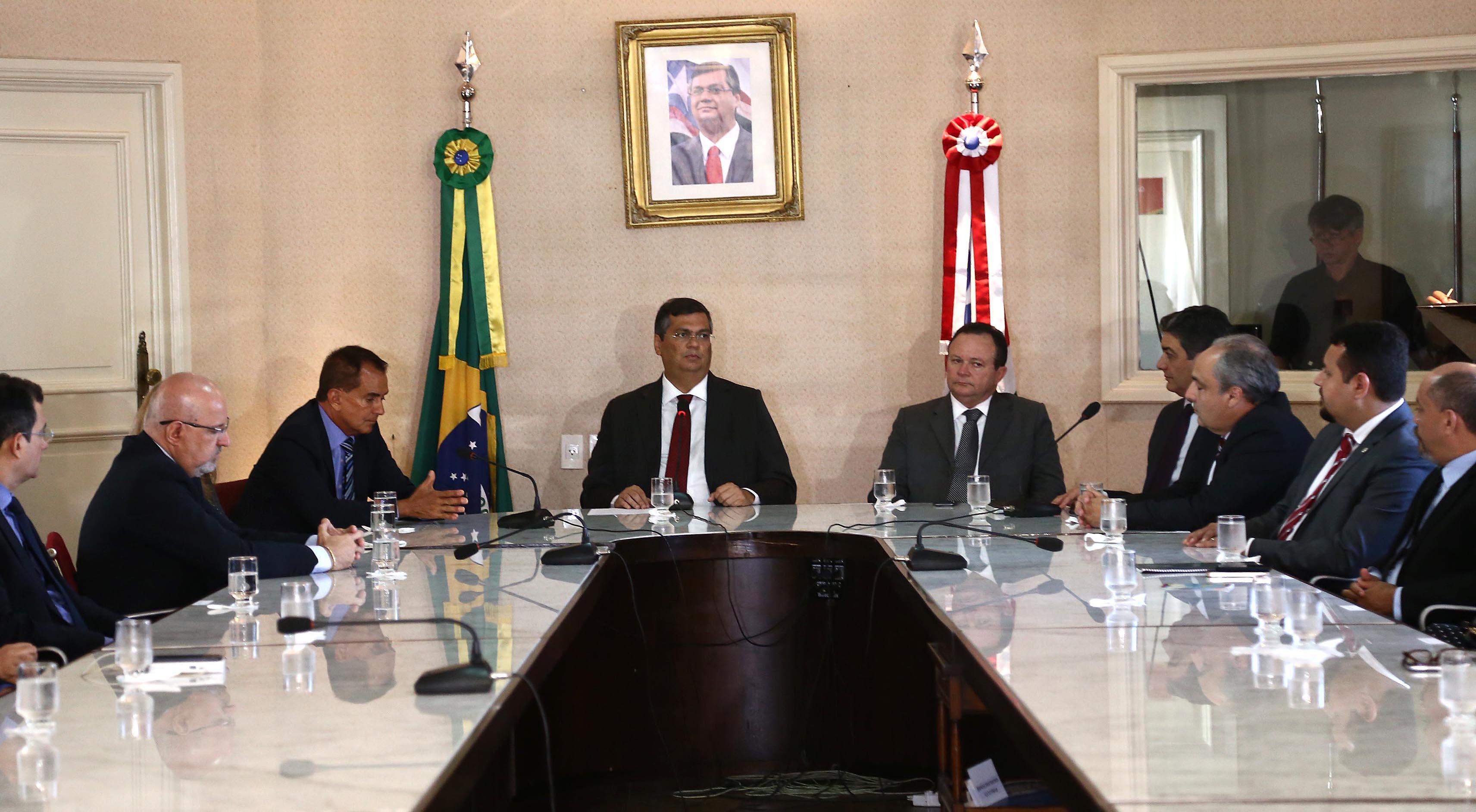 O governador Flávio Dino ressaltou que a obra vai melhorar a atividade comercial e sobretudo o fluxo de veículos da região. Foto: Gilson Teixeira/Secap